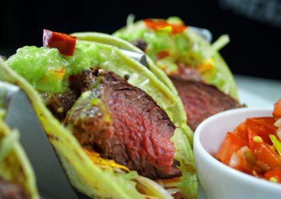 Tacos_con_filet_y_salsa_verde